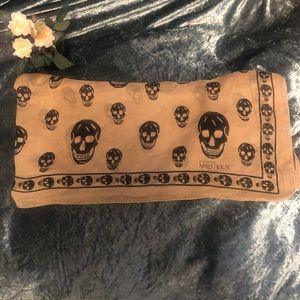 SALE!!🔥Alexander McQueen scarf